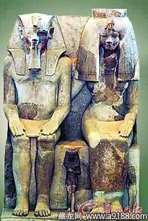 最美古埃及王后并不完美 额头上应有扁平疣图片